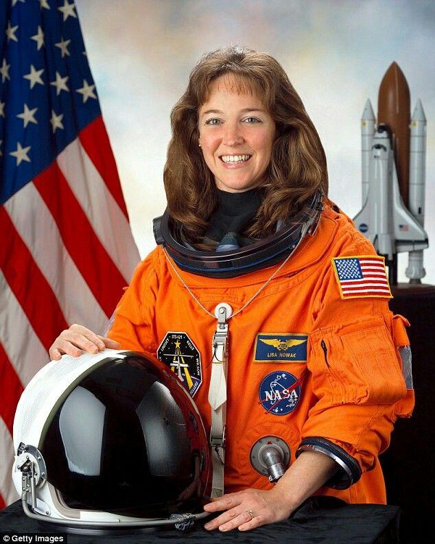 Lisa Nowak, 1st rouge astronaut(MURDER IN SPACE)