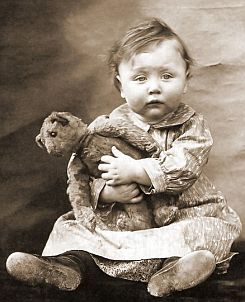 little girl and teddy vintage photo. Could this be any cuter?