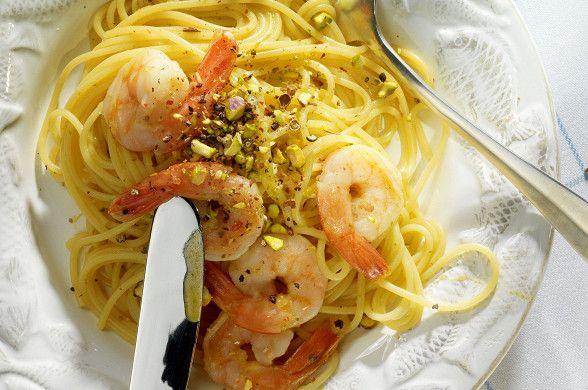Спагетти с креветками и фисташками, пошаговый рецепт с фотографиями – средиземноморская кухня: паста и пицца. «Афиша-Еда»