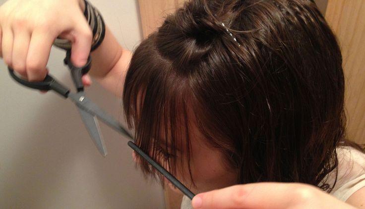 DIY : Couper son toupet comme une championne