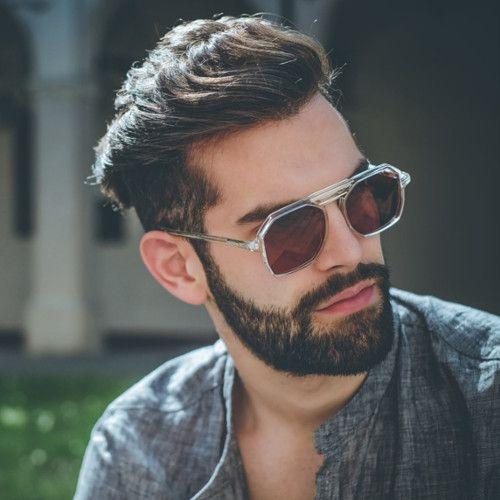 À l'occasion de la fête des pères 2017 qui arrive à grands pas, Lunettes Originales vous propose de découvrir sa sélection coup de cœur de lunettes solaires tendance pour homme. Une belle idée cadeau pour les papas !