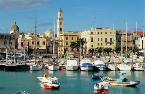 Google Image Result for http://www.habitat360.net/images/listings/378/Puglia_-_harbour_scene.jpg