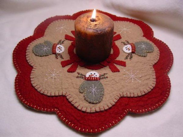 Snow Mittens Penny Rug/Candle Mat E-Pattern
