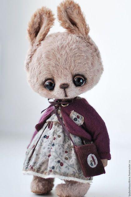Мишки Тедди ручной работы. Ярмарка Мастеров - ручная работа. Купить Зайка Кэсси. Handmade. Кремовый, зайка в одежде, хлопок