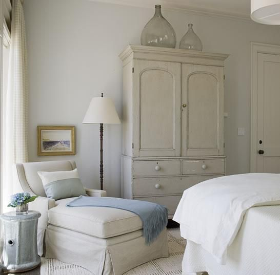 armoire, chaise, lampChai Lounges, Guest Room, Cozy Nooks, Chaise Lounges, Chairs, Colors, Reading Nooks, Master Bedrooms, Bedrooms Ideas