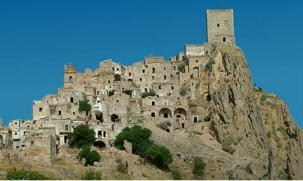 For nearly fifty years, the town of Craco in southern Italy has stood uninhabited. Here, dark windows look out at potential travelers like empty eye sockets and the streets and buildings of this medie