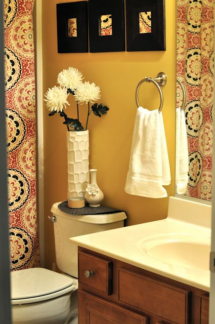 this is a really sweet bathroom love the shower curtain college apartment bathroomapartment bathroom decoratingsmall