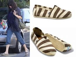 Many different style of Toms shoes are on sale, click the picture and find some best one which is your favorite.