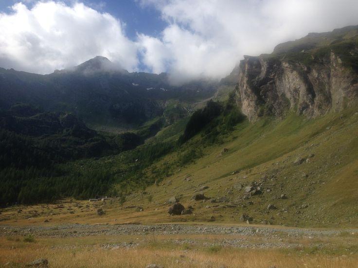 Verso il rifugio Gastaldi nelle Valli di Lanzo http://www.rifugiogastaldi.com/