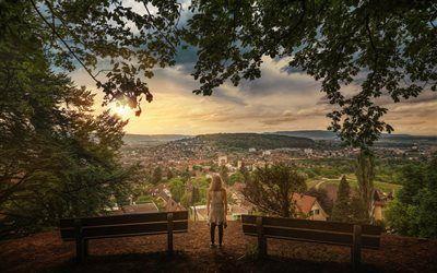 Scarica sfondi zurich, foresta, ragazza, panorama della città, lookout, svizzera