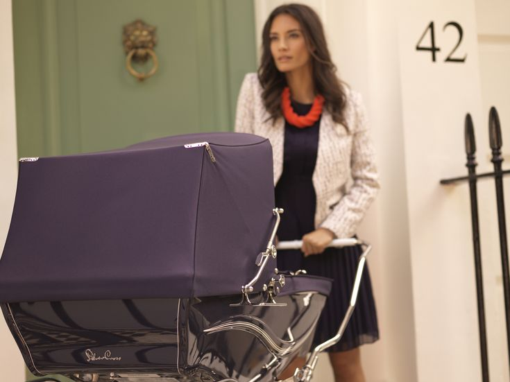 The beautiful Kensington coach pram from Silver Cross delivers the finest in classic British style.