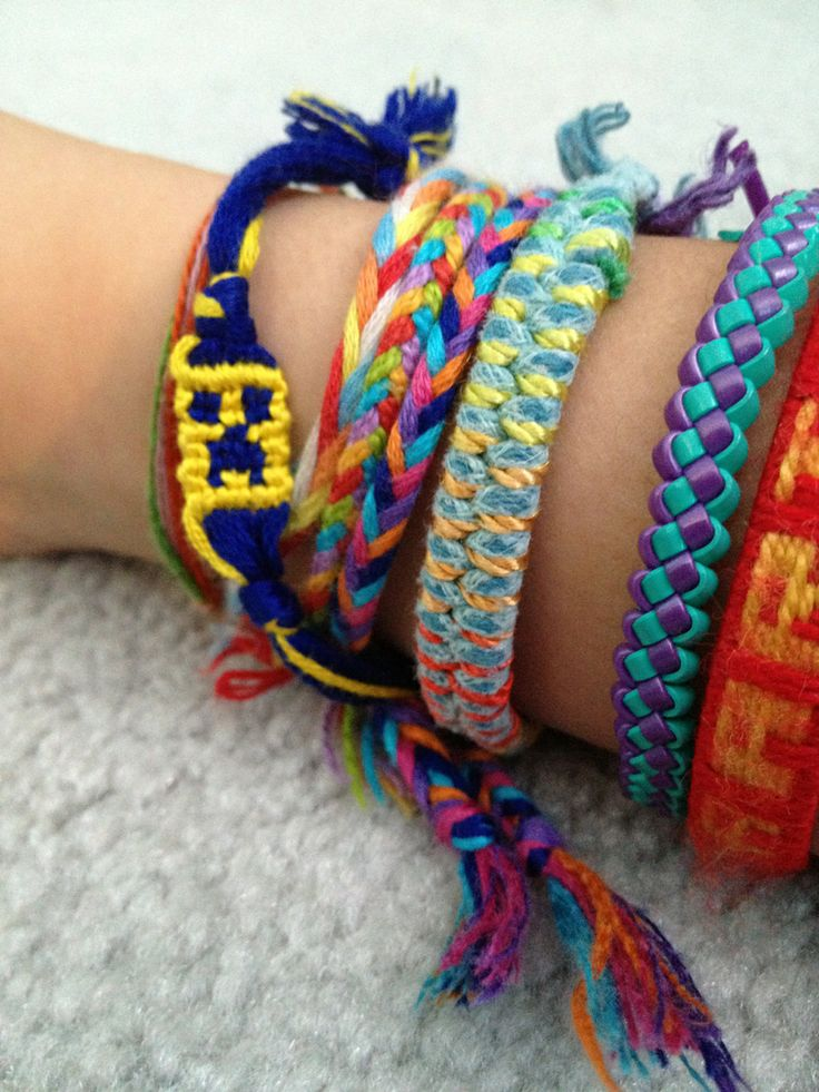 Learn how to make friendship bracelets  #diy #doityourself #howto #instructions #hobby #tutorial #pattern #braceletbook