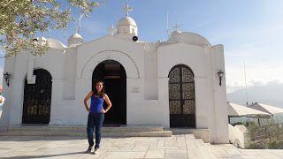 Igreja de São Jorge, Monte Lycabethus, Atenas, Grécia... #atenas #acropole #grecia #viajarcorrendo #montelycabethus #saojorge