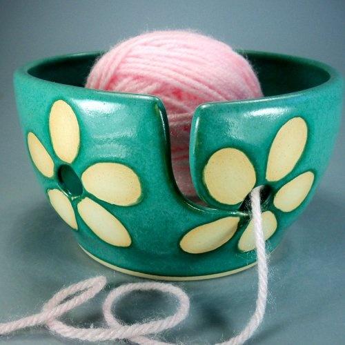Yarn Bowl - I want one so bad!!