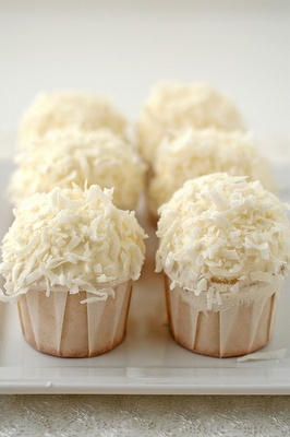Snowball cupcakes for a winter event