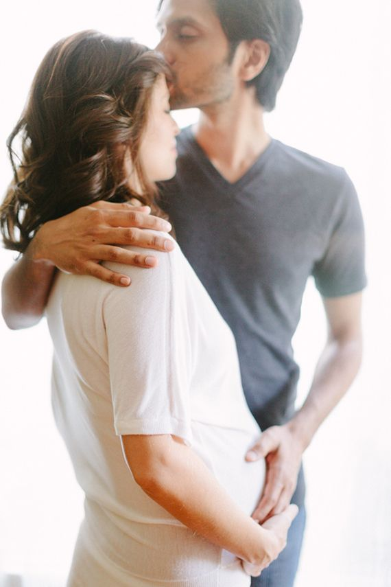 Maternity photos by Erin Hearts Court | love this maternity session!