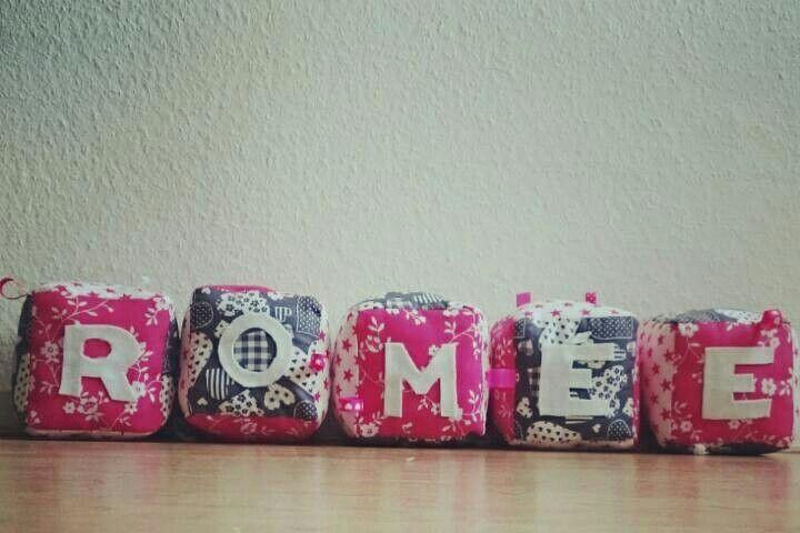 Stoffen kubus met naam als kraam cadeau  #naaien #sewing