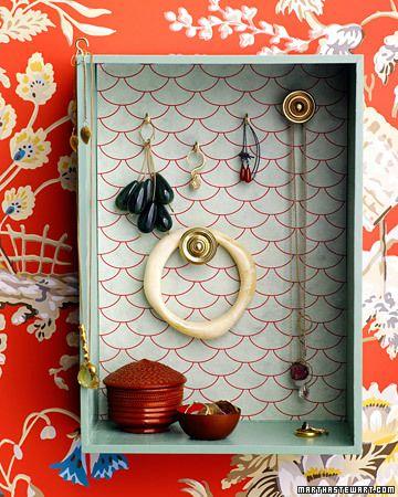 Stylish Jewelry Storage: Ideas, Jewelry Storage, Old Drawers, Shadowbox, Jewelry Hanger, Jewelry Display, Diy Jewelry, Jewelry Organic, Shadows Boxes