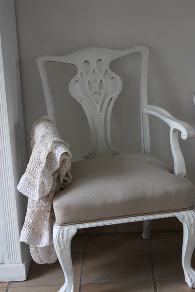 paint my bedroom chairs and re-cover seats like THIS...simple...elegant...serene <3