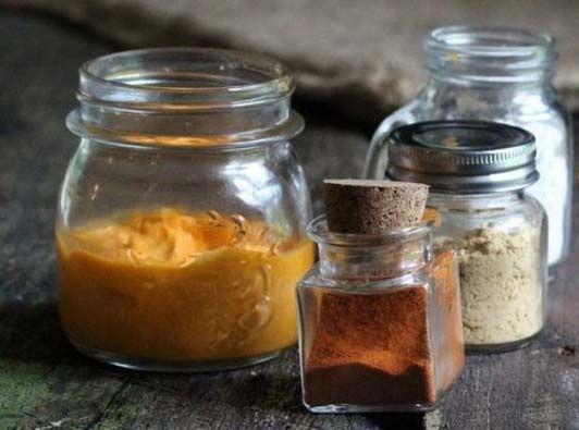 Pe lângă menținerea unui nivel moderat de activitate fizică, un remediu natural, recomandat pentru prevenirea durerilor musculare, este crema cu ceară de albine și uleiuri esențiale.