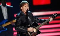 Police search Sir Cliff Richard's UK home in relation to an alleged historical sex offence   Metro News