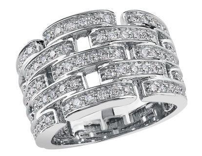 1.00ct of diamonds in this stunning 10k white gold ring.