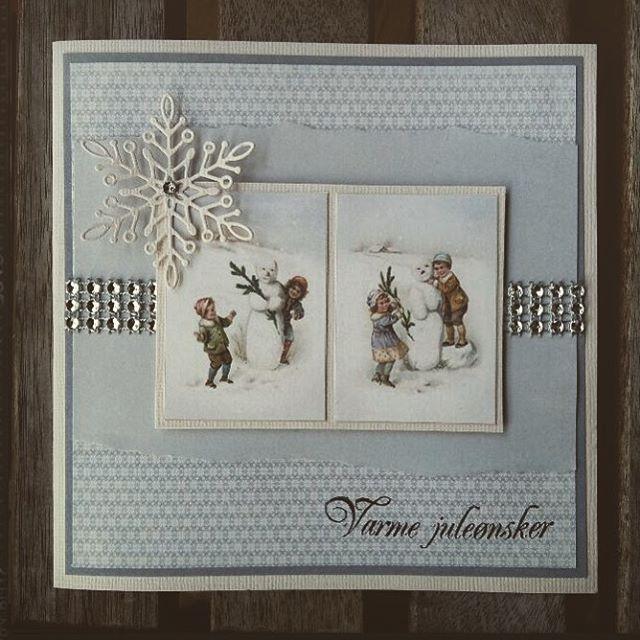 Vakkert #julekort med #mønsterpapir fra #piondesign, #blingbånd og #dies fra #hobbykunst #hobbykunstnorge Dette kortet er laget av Sissel