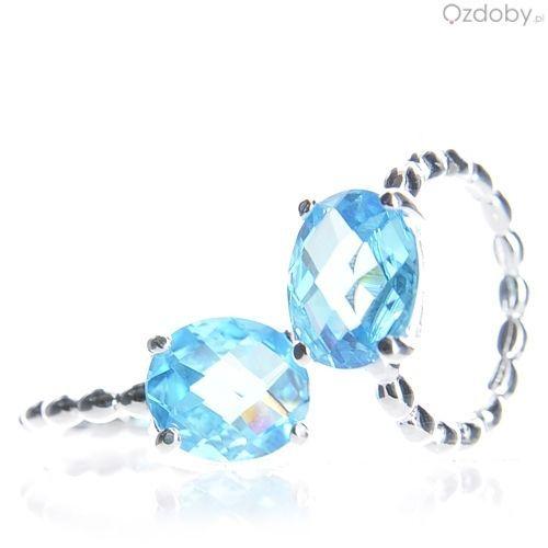 Srebrny pierścionek z niebieskim oczkiem