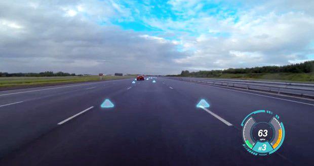 Nuove tecnologie, applicate al settore automotive per il miglioramento della sicurezza dall Gruppo Jaguar Land Rover: guida assistita Virtual Windscreen.