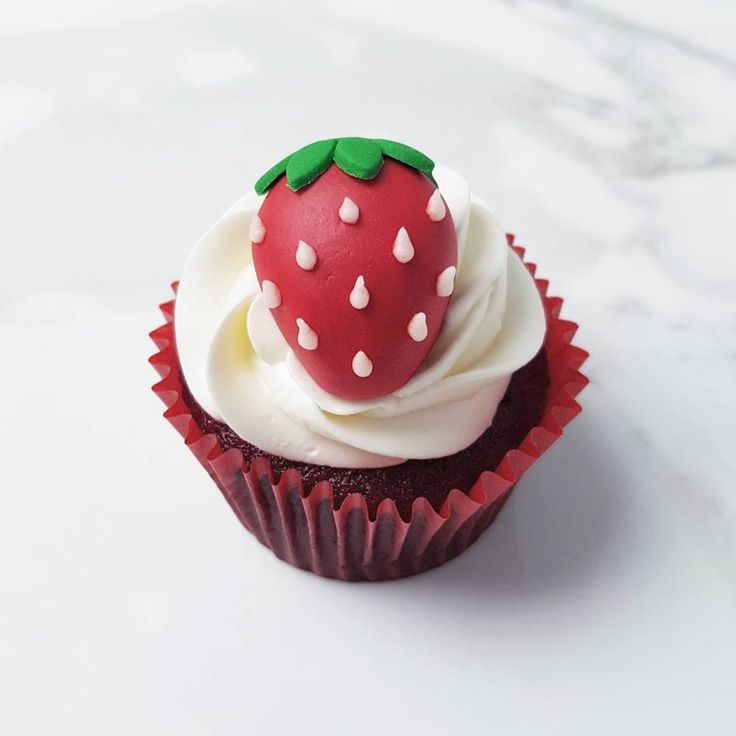 Strawberry Cupcake | Eini & Co.