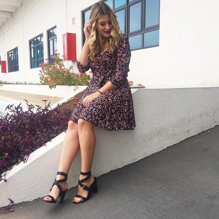 Aii fiquei apaixonada por essa sandália de tiras trançadas da nova coleção da @raphaellabooz Linda né? Super versátil imagina como fica com um jeans e camiseta? Além de tudo é confortável já quero usar de novo #publi #minhaescolharb store.raphaellabooz.com.br