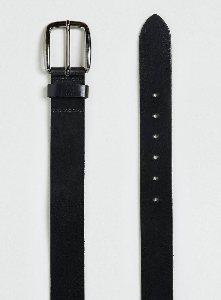 It is a classic black premium leather belt from Topman and I chose this black leather as it is simple in structure, and its goes well with other minimalistic clothing pieces in the outfit. The trend in retail that it represents is leather.  As the belt is in the trend of leather, loosening it a bit will give the overall feel of having a good time when not at work.
