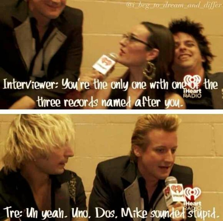 Haha Mike sounded stupid XD I love Billie's face in the first one