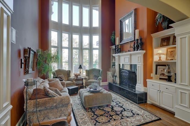 Living Room Soars To A 21 Foot Coferred Ceiling Ventless