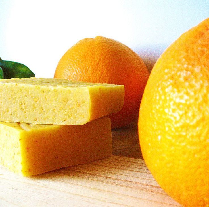 These Sweet Orange Essential Oil Uses Will Brighten Up Your Dry, Wintertime Skin