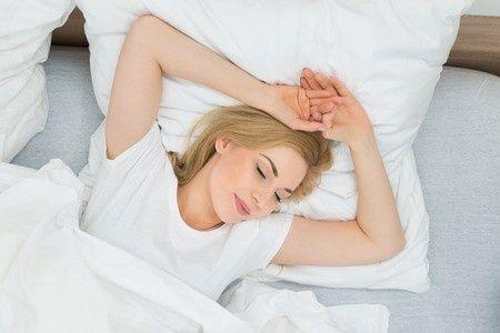 Najpopularniejsze sny erotyczne. Czy są normą i co tak naprawdę znaczą?