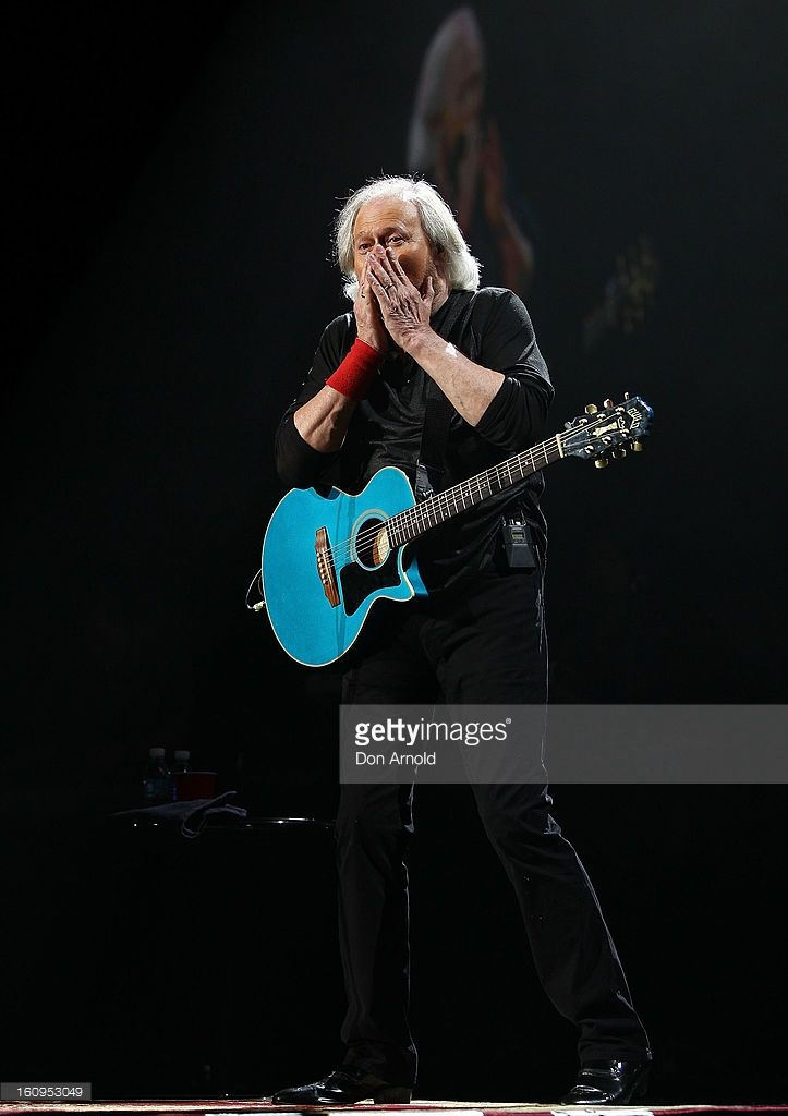 Barry Gibb performs live for fans as part of his Mythology Tour at Sydney Entertainment Centre on February 8, 2013 in Sydney, Australia. Gibb is the last surviving member of The Bee Gees./eo