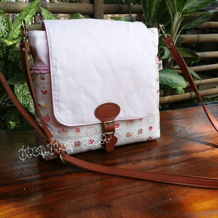 This is loliie sling bag