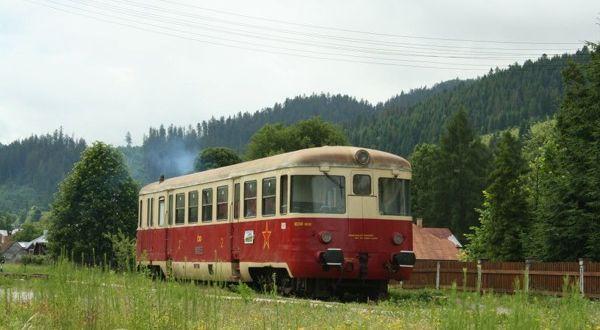 Zo zubačky na Čiernohronskú železnicu historickým motoráčikom
