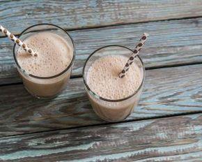 Smoothie chocolat poire amande : http://www.fourchette-et-bikini.fr/recettes/recettes-minceur/smoothie-chocolat-poire-amande.html