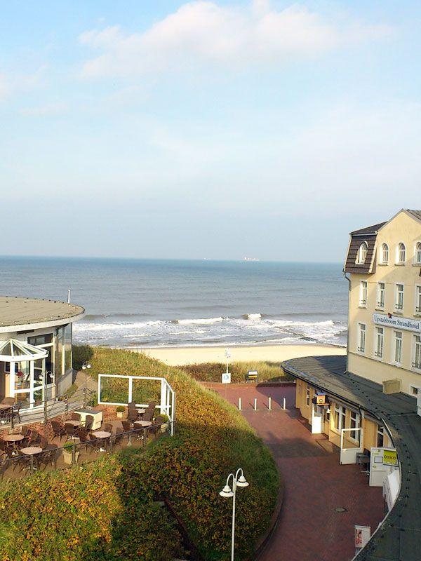 Außenansicht und Ausblick (Meerblick) unserer Ferienwohnung