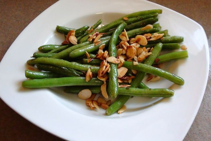 zsuzsa is in the kitchen: SAUTÉED GREEN BEENS WITH ALMONDS