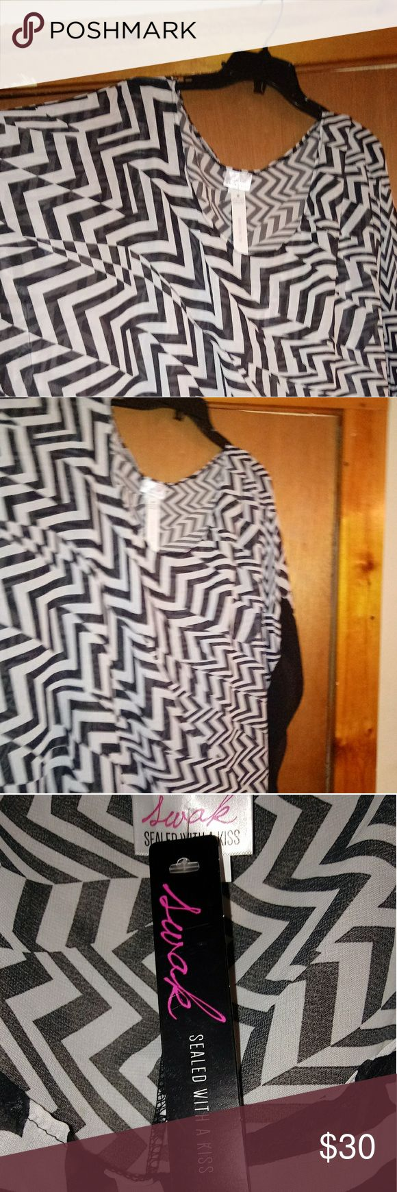 Sheer black and white zigzag tunic 6X BRAND NEW WITH TAG Sheer black and white zigzag tunic with batwings. Fits more like a 5x SWAK Tops Tunics