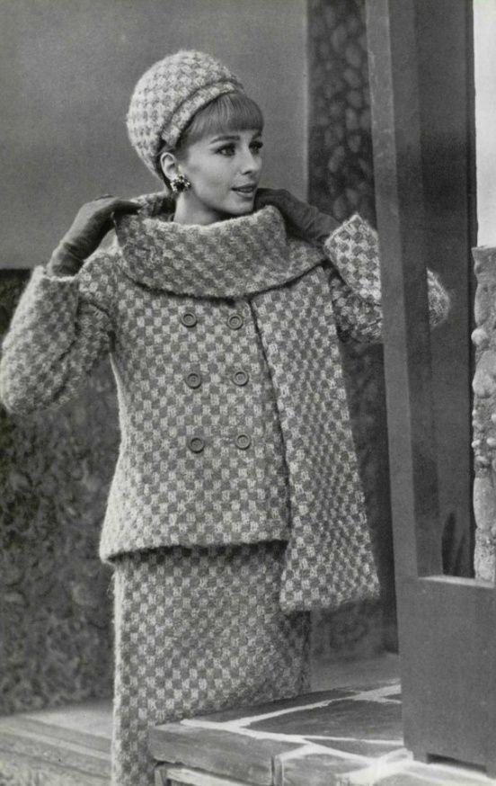 1963 Christian Dior Tudo lindo, faltou mostrar os sapatos.                                                                                                                                                                                 More
