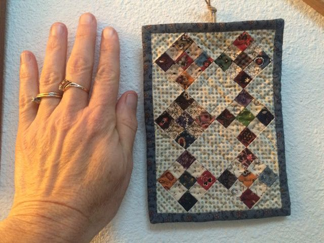 i made this tiny 9-patch for Lori of Humble Quilts... http://marianedwardsdreamweaver.typepad.com
