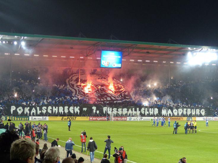 2. Runde DFB-Pokal: 1. FC Magdeburg - Bayer 04 Leverkusen 6:7 (nach Elfmeterschießen). Fast 24.000 Zuschauer, die für eine grandiose Stimmung sorgen. Ein großartiges, mitreißendes und hochspannendes Spiel. Der Regionalligist und der Champions-League-Teilnehmer begegnen sich auf Augenhöhe. Ein großartiger Fußballabend!