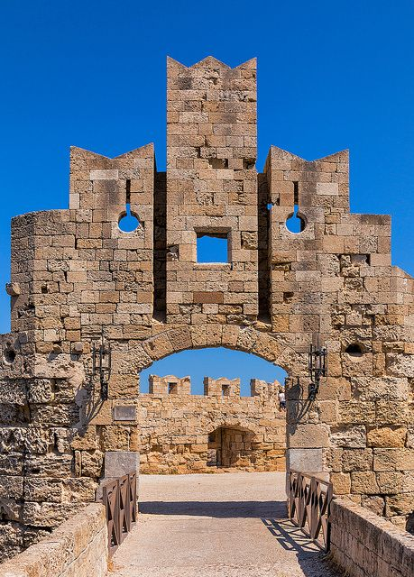 TRAVEL'IN GREECE I Medieval city walls defend the old town of Rhodes on Rhodes Island, Greece