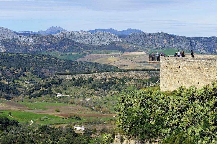 Utsikt fra Ronda, den mest kjente av Andalucias pueblos blancos - og Hemingways favorittby.
