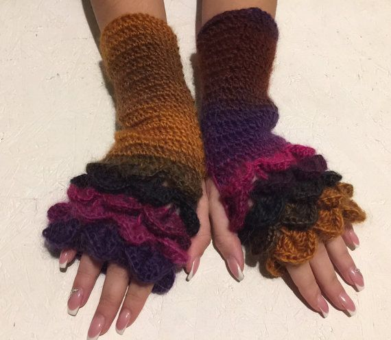 Fingerless Gloves  dragon scale gloves Handmade by CELINICRAFTS