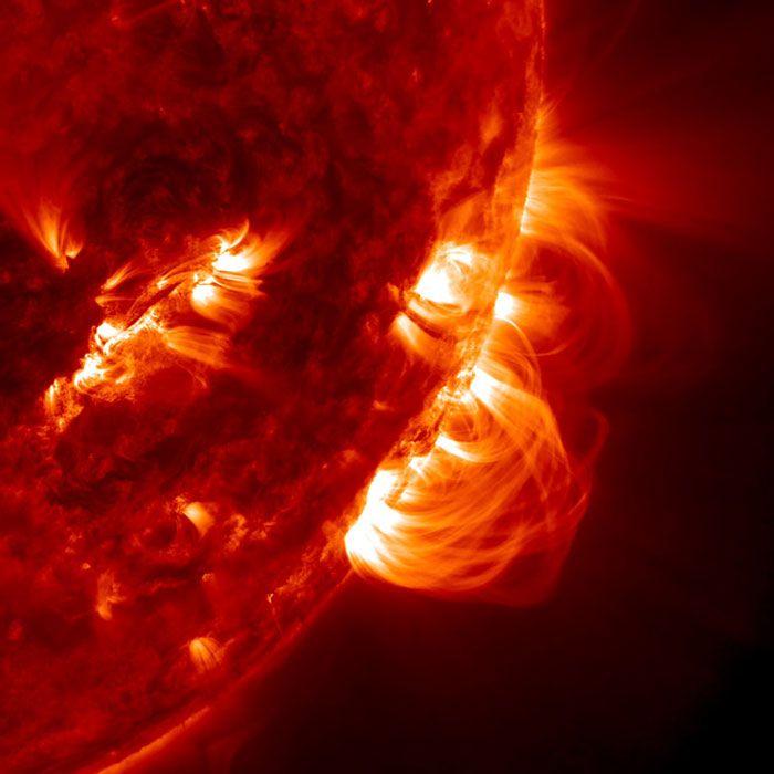 Wettervorhersagen für das All rücken näher: Drehmoment der Planeten als Ursache für langfristige Zyklen der Sonnenaktivität. // Die aktive Sonne unter den hochauflösenden Augen des Solar Dynamics Observatory (Bild: NASA) http://www.pro-physik.de/details/news/3760901/Wettervorhersagen_fuer_das_All_ruecken_naeher.html